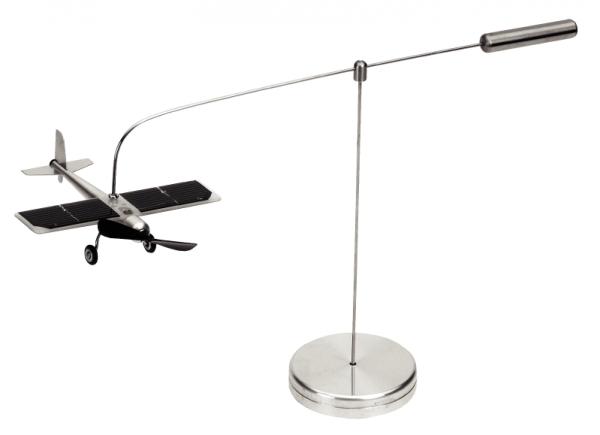 Solar-Flieger mit Positionsleuchten
